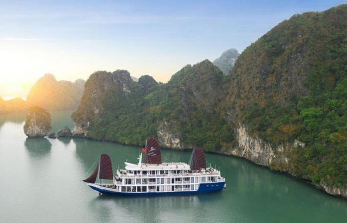 halong- lan ha bay