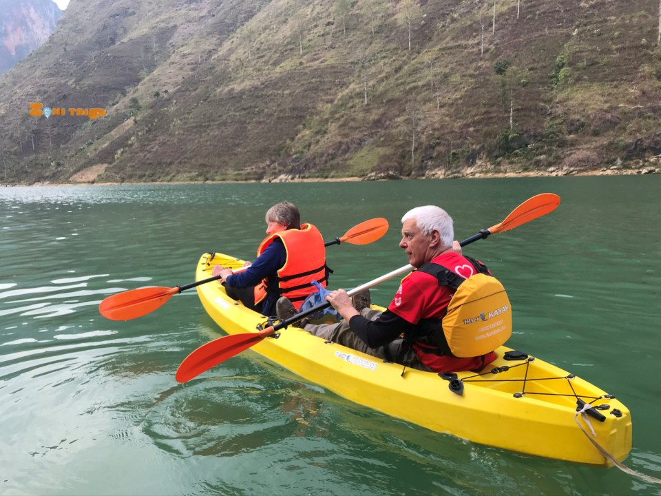 kayaking at Ha Giang