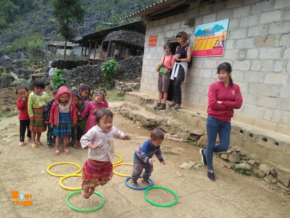 trek ha giang- kid-zonitrip