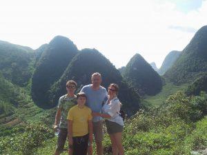 trekking ha-giang - family