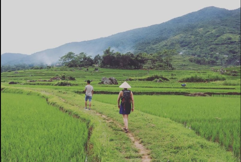trekking Pu Luong tour